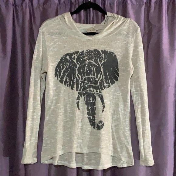 Free Kisses Elephant graphic long sleeve s…